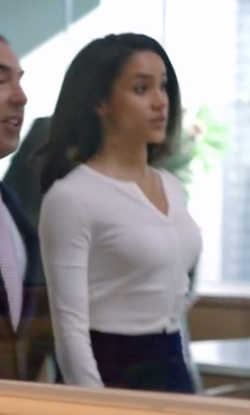 Meghan Markle with Theory Rulidia Highcott Cardigan in Suits