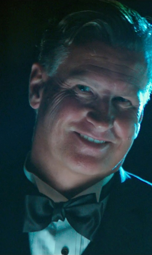 Mike Jerome Putnam with Boss Hugo Boss Silk Solid Bow Tie in The Purge: Anarchy