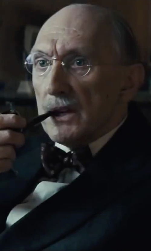 Peter McRobbie with Ray-Ban  Round Frame Metal Optical Glasses in Bridge of Spies