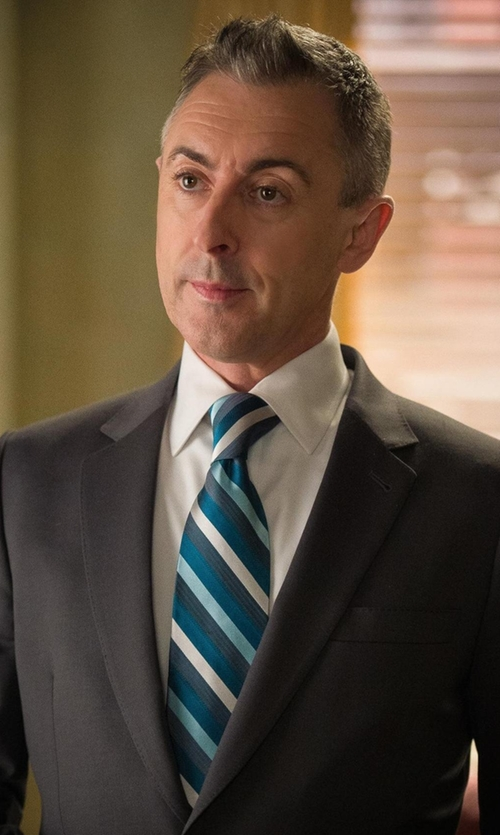 Alan Cumming with Kenneth Cole Reaction Main Stripe Tie in The Good Wife
