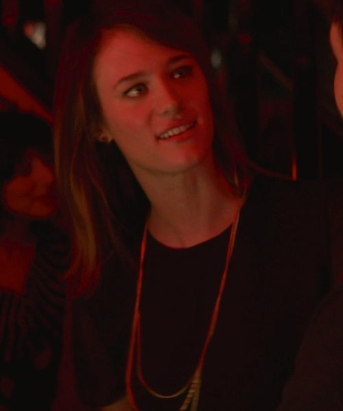 Mackenzie Davis with Rebecca Taylor Jersey & Chiffon Pleat Back Top in That Awkward Moment