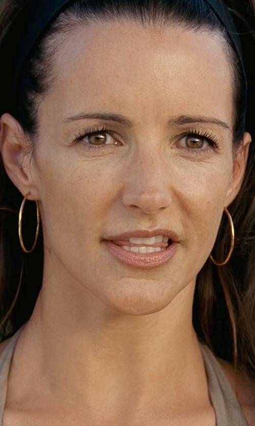 Kristin Davis with Lagos 18k Caviar-Closure Hoop Earrings in Couple's Retreat