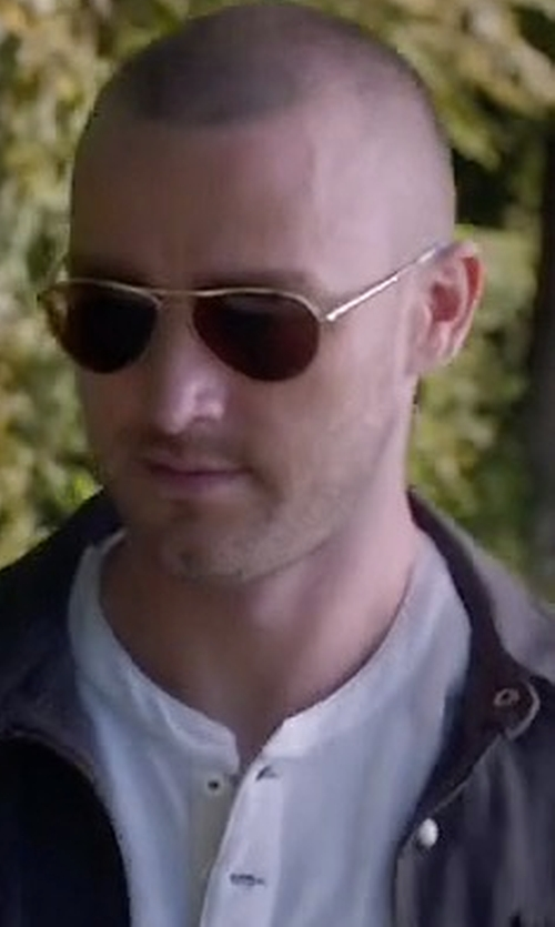 Jake McLaughlin with Ray-Ban Original Aviator Sunglasses in Quantico