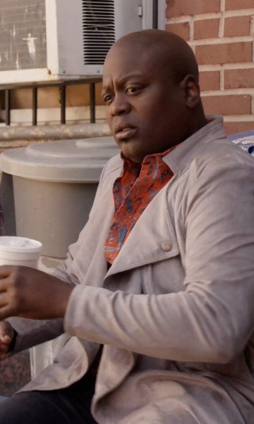 Tituss Burgess with A Deep Lapel Collar Jacket in Unbreakable Kimmy Schmidt