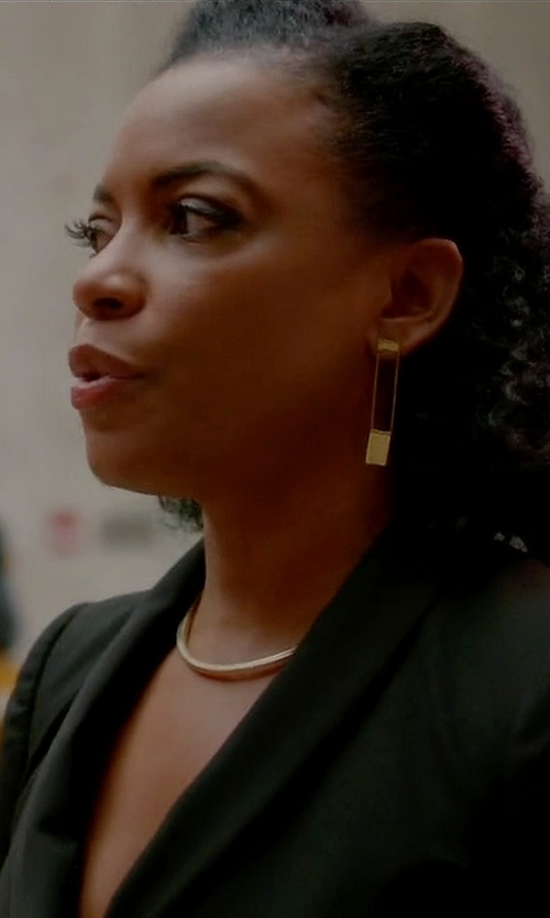 Aunjanue Ellis with Ivanka Trump Metropolis Open Long Octagon Diamond Earrings in Quantico