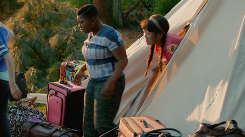 Ester Dean with American Eagle Camo Cuff Pants in Pitch Perfect 2