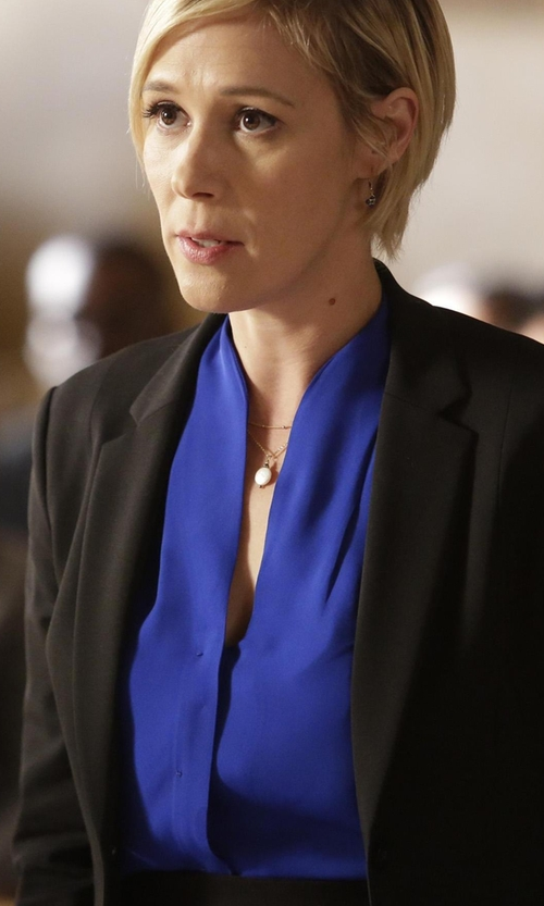 Liza Weil with Elizabeth and James Alex Stretch Crepe Blazer in How To Get Away With Murder