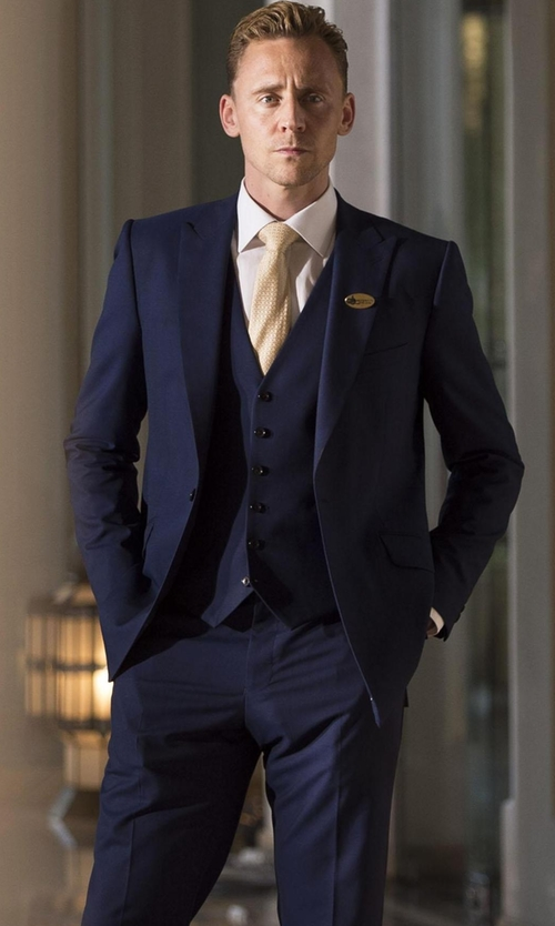 Tom Hiddleston with Reiss Garda Peak Lapel Three Piece Suit In Navy in The Night Manager