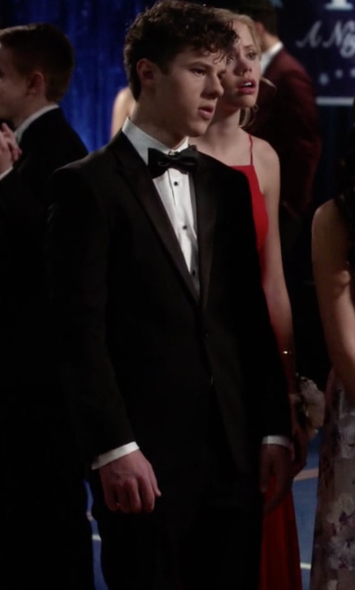 Nolan Gould with Strong Suit 'Aston' Solid Wool Tuxedo Suit in Modern Family