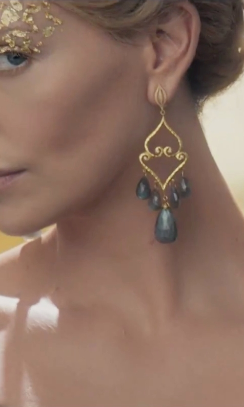 Charlize Theron with Anthony Camargo Baby Chandelier Earrings in The Huntsman: Winter's War
