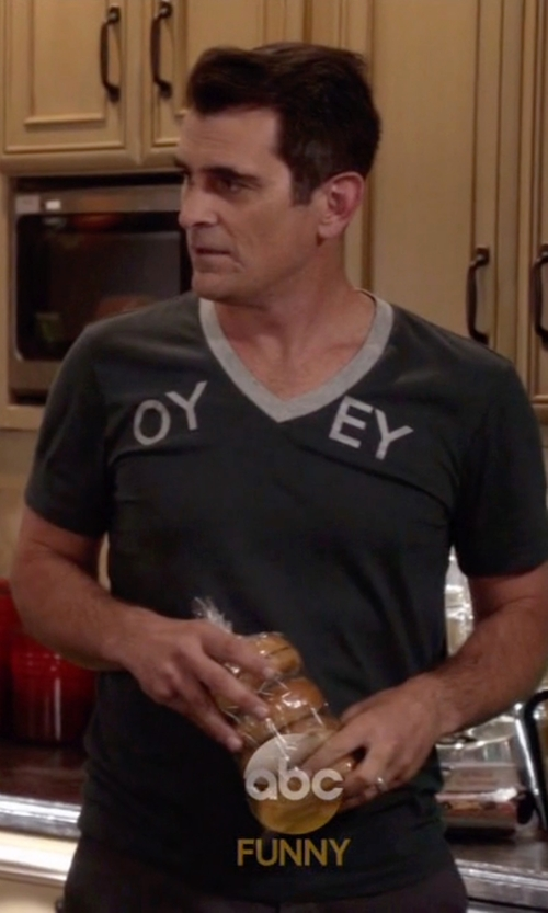 Ty Burrell with James Perse V-Neck T-Shirt in Modern Family