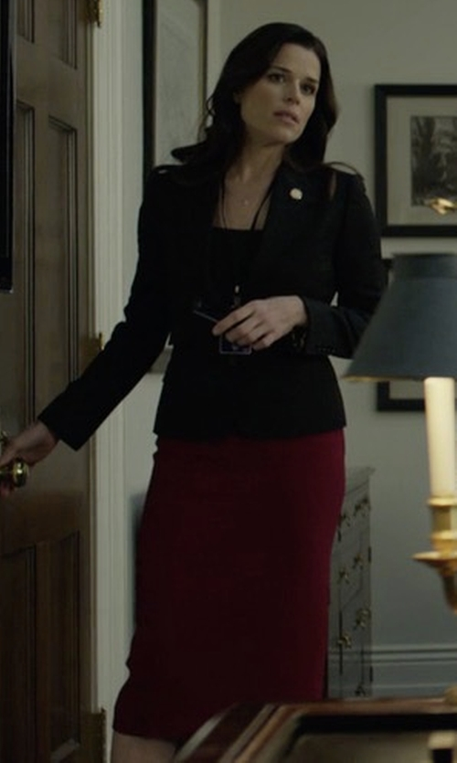 Neve Campbell with St. John Collection Clair Knit Pencil Skirt in House of Cards
