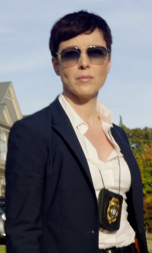 Olivia Williams with THEORY Stretch blazer in Sabotage