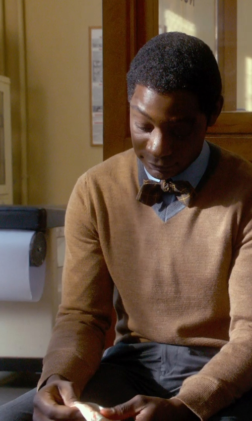 Nelsan Ellis with Save Khaki Light Twill Slim Chinos in Get On Up