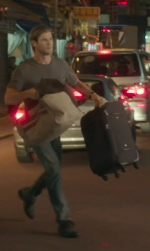 Chris Hemsworth with Briggs & Riley Luggage Carry On Expandable Upright Bag in Blackhat