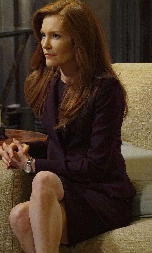 Darby Stanchfield with Les Copains Knee Length Skirt in Scandal