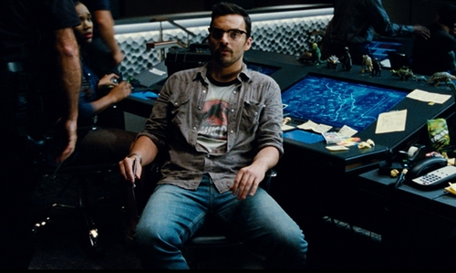Jake Johnson with Levi's 513 Moonlight Worn Wash Slim Straight Motion Jeans in Jurassic World