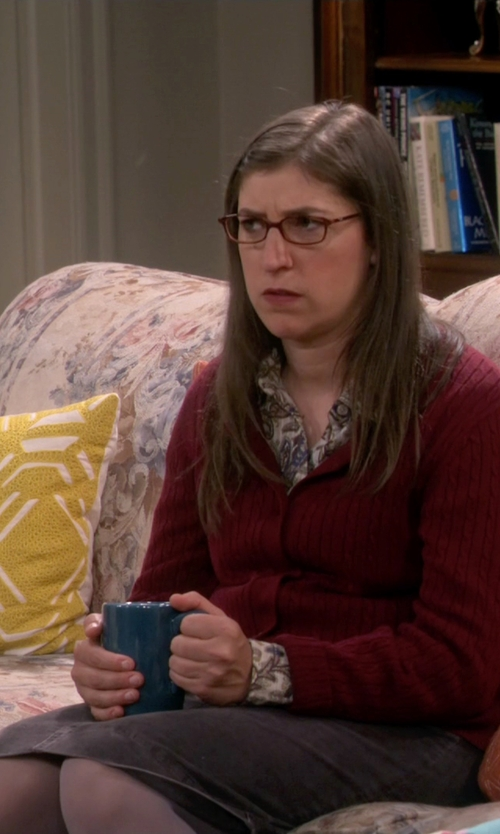 Mayim Bialik with Alviero Martini 1a Classe Denim Skirt in The Big Bang Theory