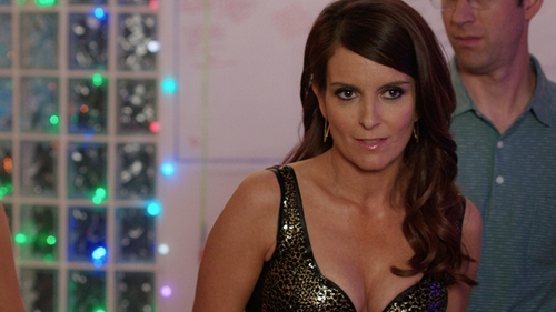 Tina Fey with Canis Sequin Embellished Sparkle Tank Top in Sisters