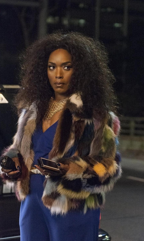 Angela Bassett with Catherine Stein Chain Mesh Bib Necklace in American Horror Story