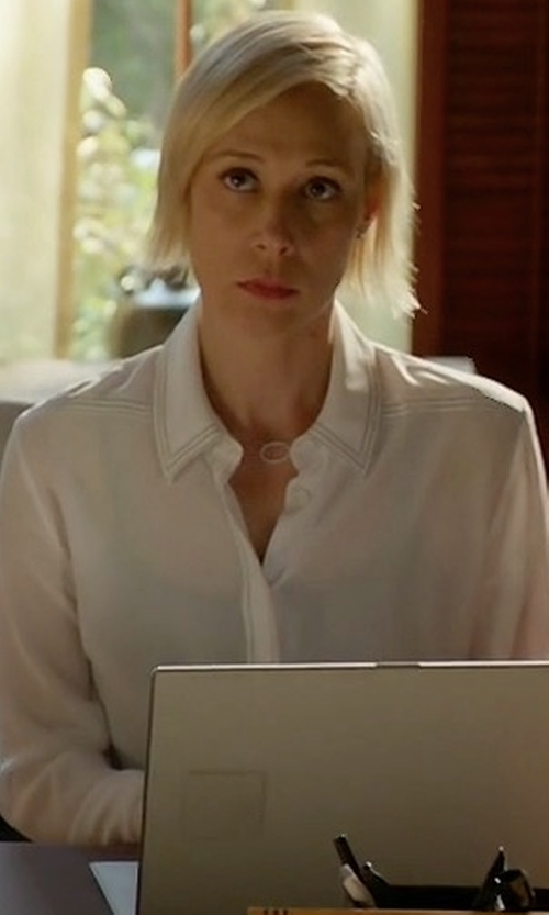 Liza Weil with Theory Tenia Modern Silk Blouse in How To Get Away With Murder