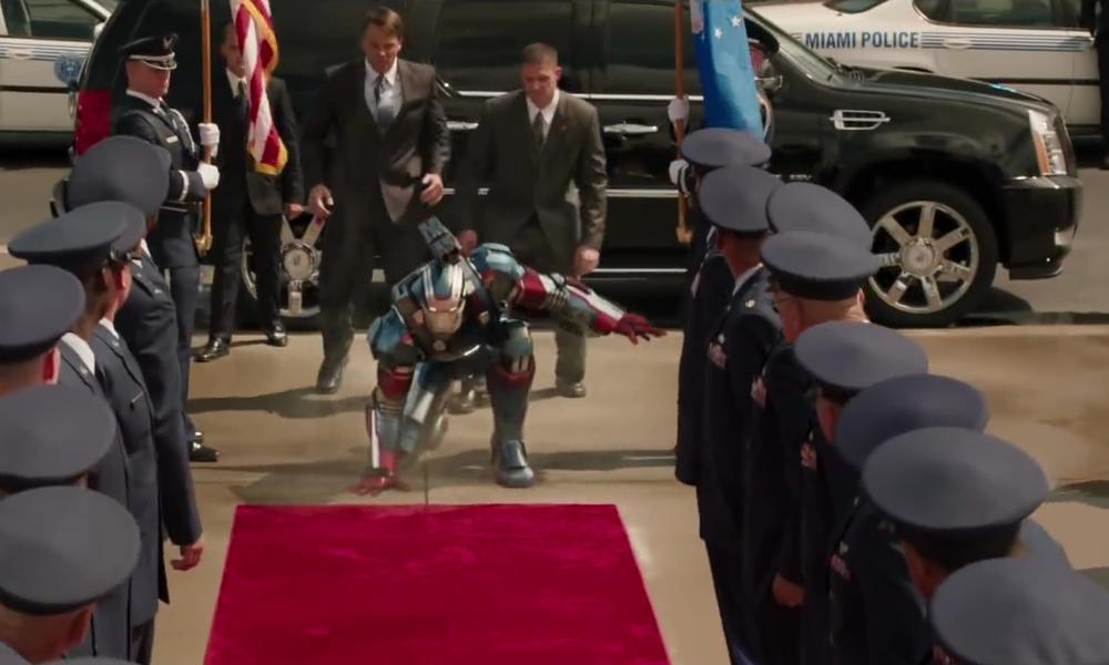 Cadillac Cadillac Escalade ESV Base in Iron Man 3