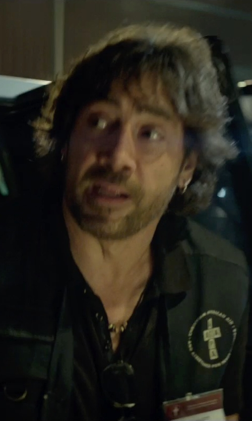 Javier Bardem with Jewels Obsession Medium Tube Hoop Earrings in The Gunman
