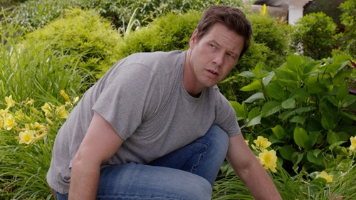 Ike Barinholtz with Levi's 511 Slim-Fit Carry On Jeans in Sisters