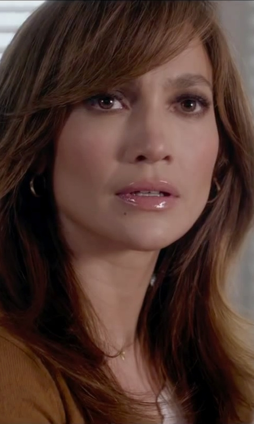 Jennifer Lopez with Infinite Gold 14K Yellow Gold Hoop Earrings in The Boy Next Door