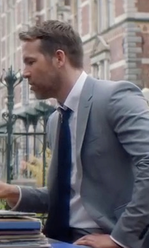 Ryan Reynolds with Dunhill Silk-Knit Tie in The Hitman's Bodyguard