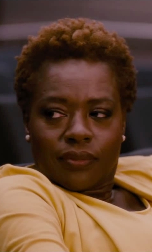 Viola Davis with Kate Spade New York Small Square Stud Earrings in The Disappearance of Eleanor Rigby