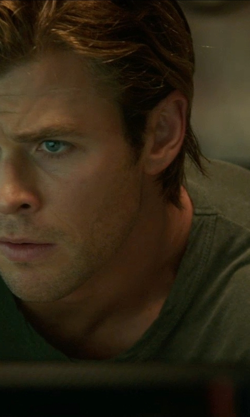 Chris Hemsworth with Tomas Maier Light Jersey Crew Neck T-shirt in Blackhat