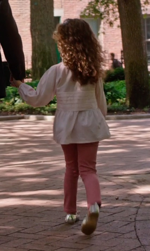 JoJo Kushner with Naturino Ballet Flats in The Intern