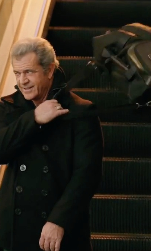 Mel Gibson with Vessel Signature Duffel Bag in Daddy's Home 2