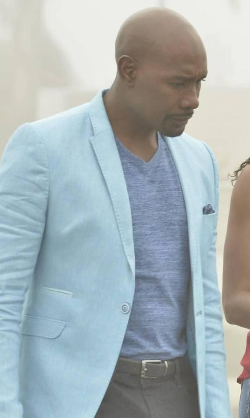 Morris Chestnut with Alfani Ethan Performance T-Shirt in Rosewood