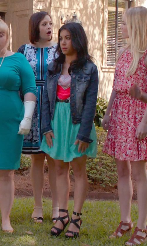 Chrissie Fit with Mod Multicolor Pattern Short Dress in Pitch Perfect 2