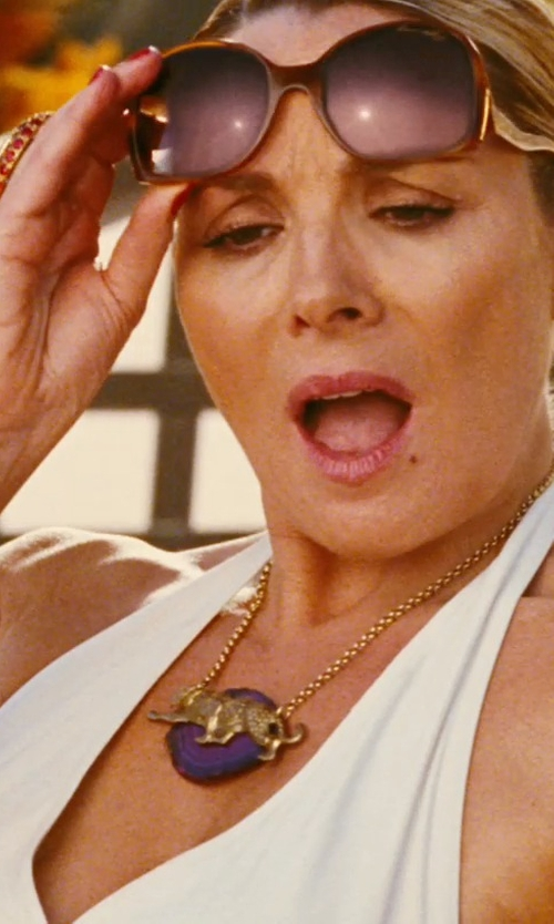 Kim Cattrall with NecklaceObsession Tiger In The Woods Pendant Necklace in Sex and the City