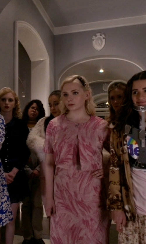 Abigail Breslin with Kay Unger Printed Cropped Jacquard Jacket in Scream Queens