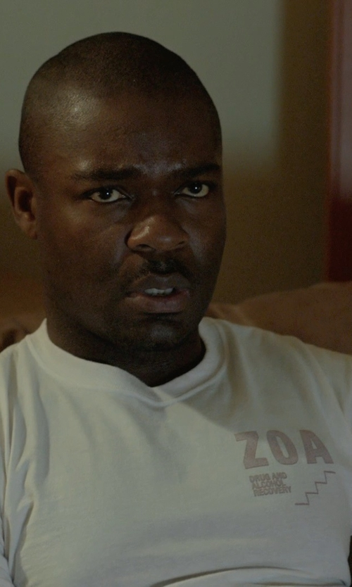 David Oyelowo with Peak Performance Boulder T-Shirt in Captive