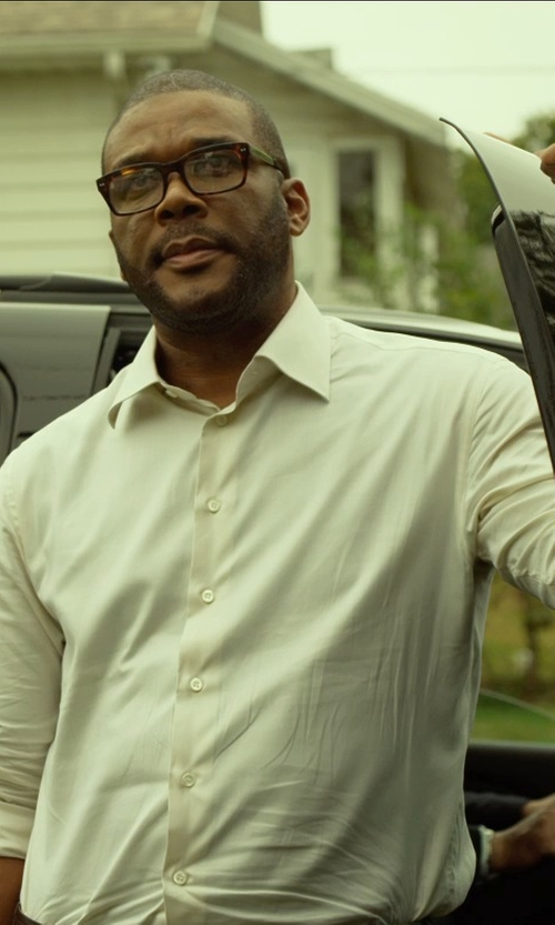 Tyler Perry with Thomas Pink Slim Fit Non-Iron Dress Shirt in Gone Girl