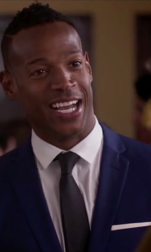 Marlon Wayans with English Laundry Trim Fit Solid Wool Suit in Fifty Shades of Black