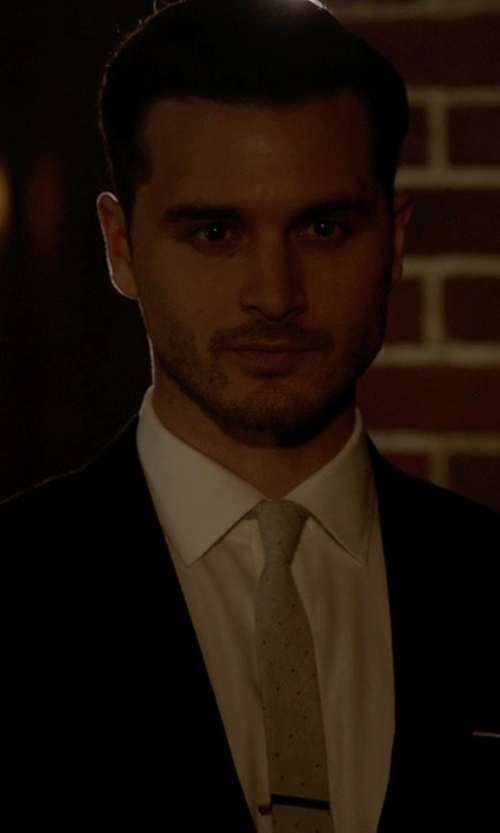 Michael Malarkey with Etro Classic Two Piece Suit in The Vampire Diaries