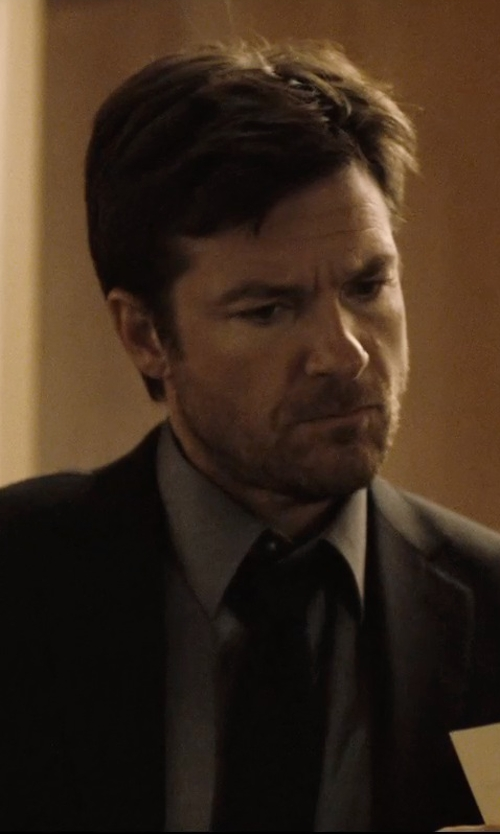 Jason Bateman with Van Heussen Traveler Dress Shirt in The Gift