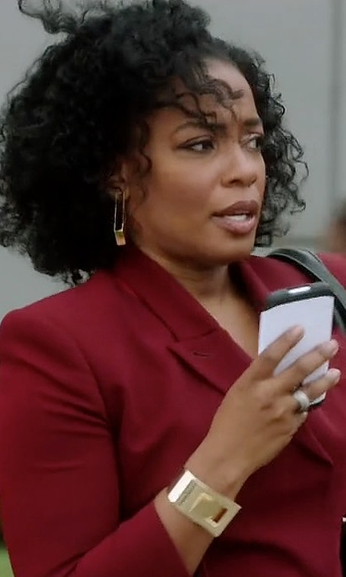 Aunjanue Ellis with CC Skye Brentwood Turn-Lock Bangle Bracelet in Quantico