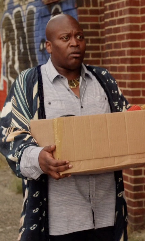 Tituss Burgess with California Moonrise Printed Kimono Cardigan in Unbreakable Kimmy Schmidt