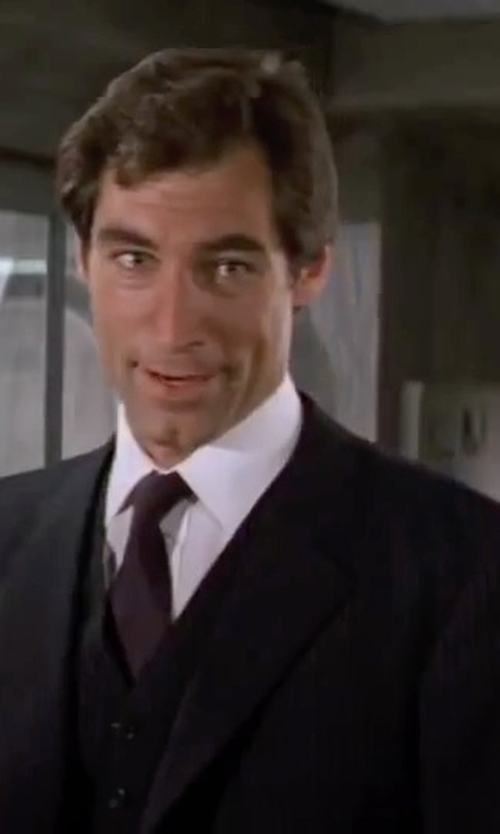 Timothy Dalton with Cooperativa Pescatori Posillipo Wool Lapel Collar Suit in The Living Daylights