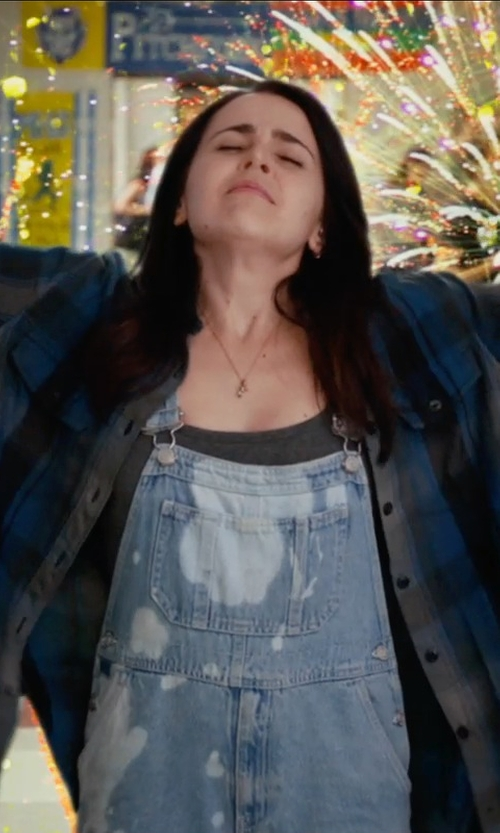 Mae Whitman with Penfield Chatham Buffalo Plaid Shirt in The DUFF