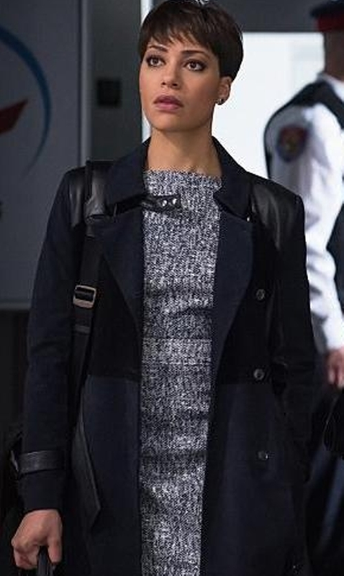 Cush Jumbo with Ohne Titel Suede And Leather Trench Coat in The Good Wife