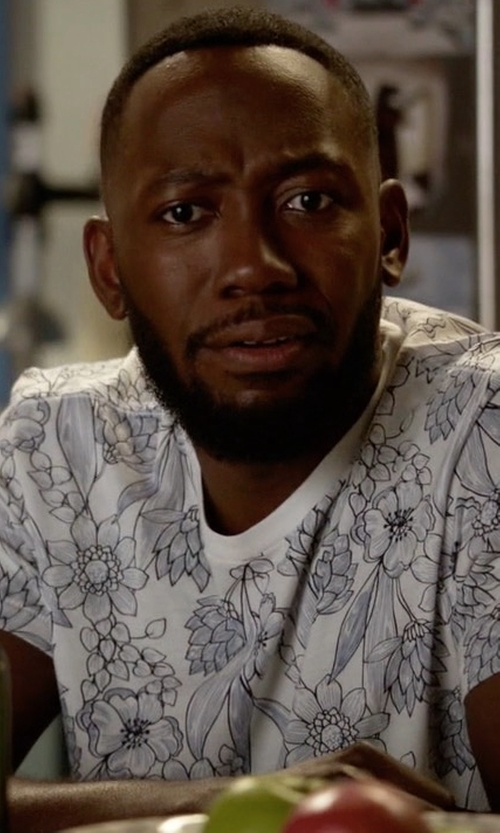 Lamorne Morris with Splendid Mills Mills Camo Tee in New Girl