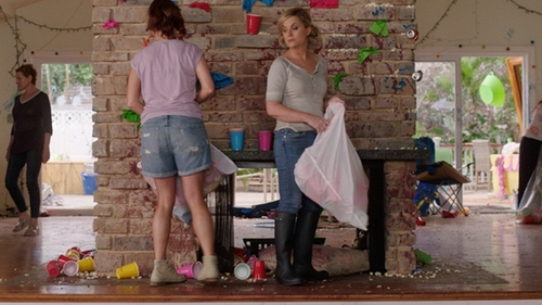 Amy Poehler with Hunter Huntress Rain Boots in Sisters